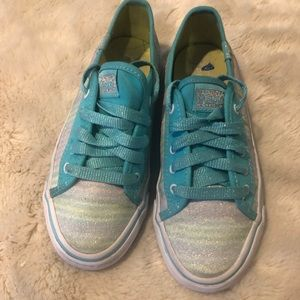 Gently used teal and silver keds sz 1